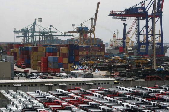 O comércio internacional contribui para o crescimento da economia dos EUA.