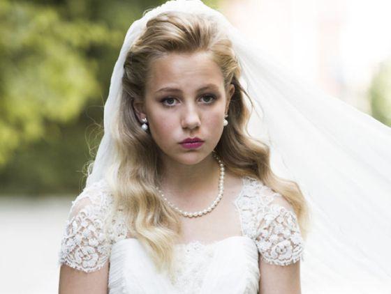"""""""Olá, eu me chamo Thea, tenho 12 anos e vou me casar"""", diz o blog."""