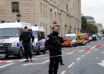 Autor do ataque era um servidor público que trabalhava no local e também foi morto
