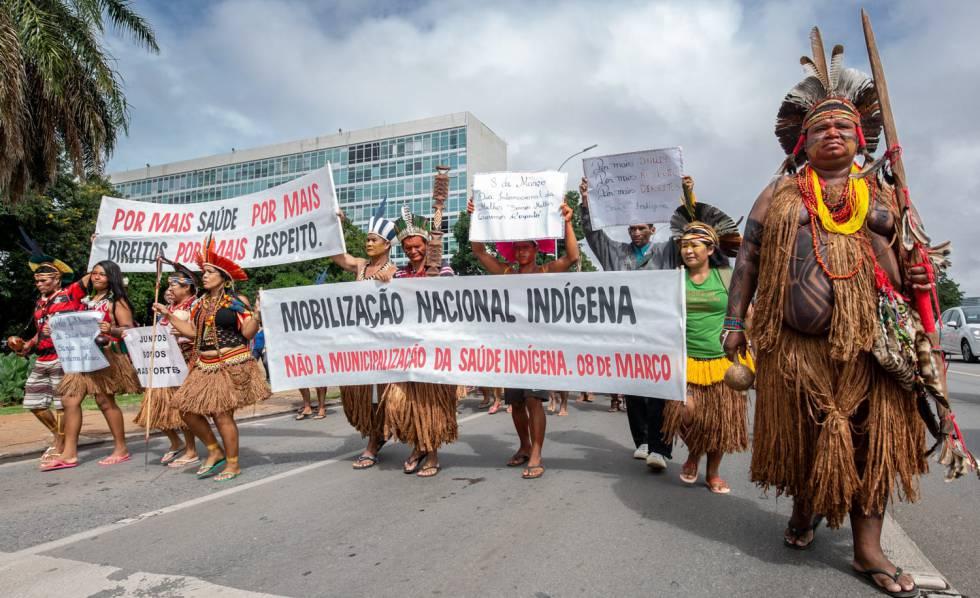 Mobilização dos povos Pataxó, Tupinambá e Pataxó Hã-Hã-Hãe contra a municipalização da saúde indígena, em Brasília.
