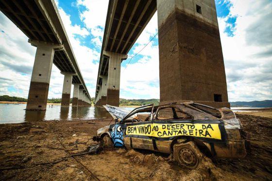 A seca do sistema Cantareira no graffiti de Mundano.