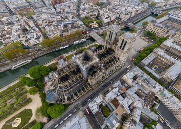 A empresa Gigarama fez as imagens com um drone de como ficou o templo depois de ser devorado pelo fogo
